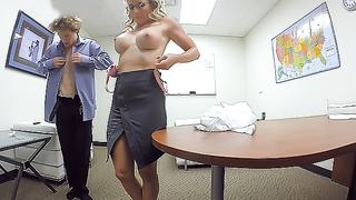 Rough incest anal banging by stepson drives stepmom into sexual satisfaction