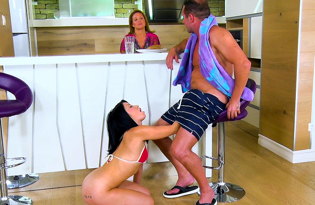 Athletic dad gives exotic daughter incest dicking she wanted so much