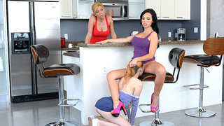 Cute daughter pleases mom's friend with incest cunnilingus in kitchen