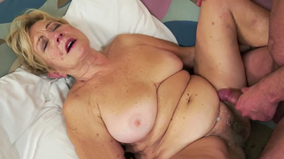 Busty grandma screwed and sprayed with jizz in closeup action
