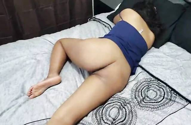 [ Real Home Incest ] I touched pussy my young sister while sleeping