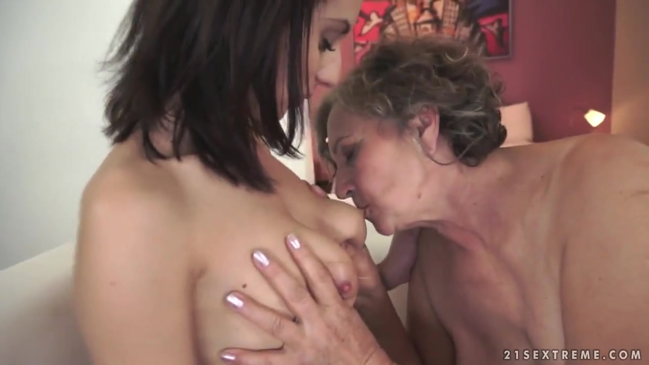 Old Man Licks Teen Pussy