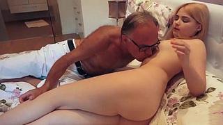 19 yo depraved granddaughter kissing and fucks her grandpa in his bedroom