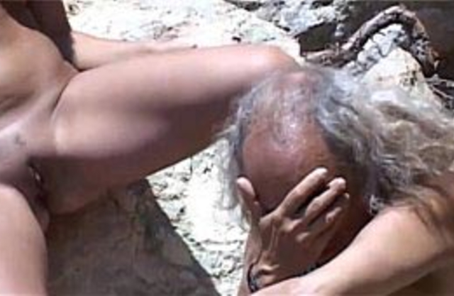 Horny and depraved granddaughter goes to grandpa for stretching out her pussy